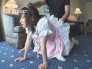 メイド服姿のデカ尻コスプレお姉さんがホテルで騎乗位&後背位セックスに感じてます