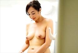 音羽文子 美魔女すぎる元国際線CAがAVお披露目!!!その年齢はなんと!