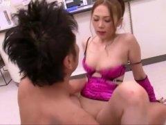ヤリマン女すぎるスリムな小町娘 な小川あさ美がコンビニSHOP店員を誘引