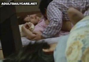 聞こえちゃうっ!♡姉が寝ている枕元で義理のお兄ちゃんに犯される妹君JK!