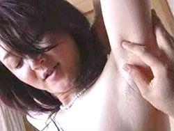 四十路:不倫相手の趣味で腋毛を伸ばし続ける女