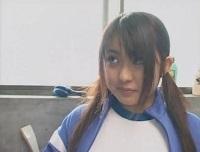 女子校生、仲咲千春出演のフェラ無料H動画。仲咲千春 風呂場でメタボ男にフェラ奉仕するジャージ女子校生