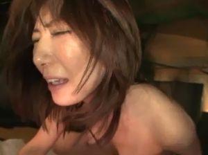 喘ぎっぱなしの美熟女42歳の四十路セックス!