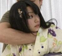 黒髪の毛のピュアな浴衣美幼女を激コシ振りして発射