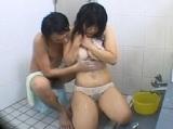 男湯潜入ミッションで男性客におっぱいを揉まれ強引にフェラさせられちゃう素人女性