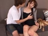 青山でナンパしたキスだけで喘いでしまう超敏感な女子大生!