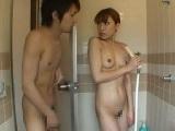 兄嫁のシャワー中にアソコをおっ勃てて乱入してみた!