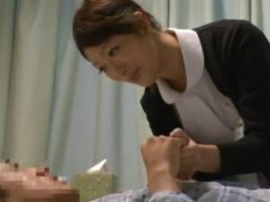 入院中の患者を夜中に犯しに来るエロ過ぎる痴女ナース 小早川怜子