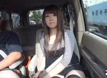 車の中でセンズリ見てもらったら、外から誰かに見つかりそうなスリルに興奮しちゃった素人娘たち Vol.2