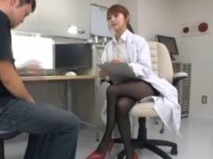 みづなれい 勃起障害患者を即勃起させるセクシー痴女医