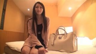 SSS級アイドル以上の美貌を持つ豆腐屋の娘だという素人娘が奇跡のAV出演で超密着エロ過ぎるハメ撮りSEX動画