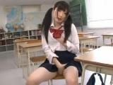 激カワツルマン女子校生が教室でお漏らし自家発電