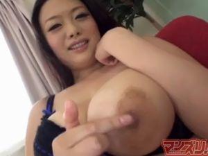 巨乳お姉さんの指マンオナニー
