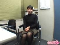 25歳の英語講師が初めてのセンズリ鑑賞で貴重な経験