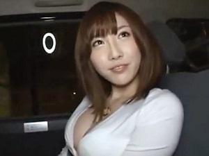 スレンダー巨乳お姉さんがヨガりまくり感じまくる絶頂セックス