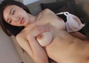 小沢遥 美人女性社長が旦那の浮気に腹を立てAV出演