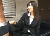 藤咲葵 採用面接で職権乱用しチンコチェックをする淫乱女