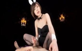 卯水咲流 バニー姿のショートヘアS語むっつりスケベな女が乳性感帯責め手コキする主観movie
