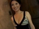 熟女のフェラ無料H動画。美熟女のフェラ&手コキ