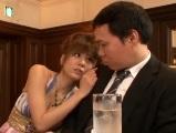 麻美ゆま BARで男を逆ナンする美人お姉さん