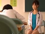競泳水着を着た可愛い先生がやる気のない男子生徒と教室でエッチ