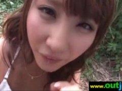 【無料H動画】かなりの美GALが森の中でぺろぺろでねっとりとprprて乳ネックズリ