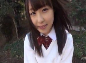 【無料H動画】幼いっぽい喋り方をするゆるふわ女子が思いのほか股ゆるだった件!