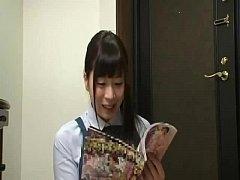 姉の無料H動画。本を回収してくれる本屋の姉さんにエロ本を見せるセクシャルハラスメント …