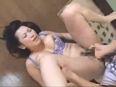 中年の素人女性の無料H動画。巨乳美中年女性母が欲情した我が子に指姦責めされてソルトして女になる