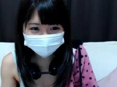 ライブチャット★笑顔の可愛い黒髪美少女がおっぱいやマ○コを見せてくれる!