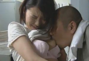 社長の娘が社員の男に犯される下克上エロ動画