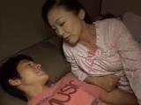 ムスコン熟女母がマザコン息子と旦那の寝ている横で中だしセックス
