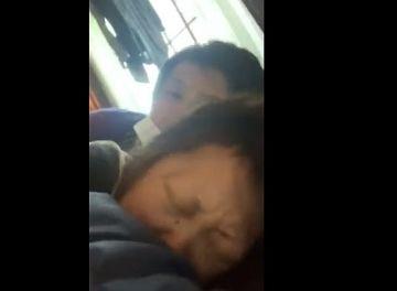 【個人撮影】『25cmオーバーの俺が嫁のママ友にデカチン挿入してみたww』SNSに投稿された生々しい寝取り動画