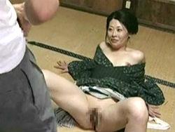 ヘンリー塚本 エロ熟女が娘の旦那を寝取る!義理の息子にいかされる悦び!中山水穂