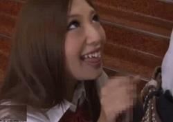 武井麻希 性的な関係を持ちたがるギャルが野外でも恥ずかしがらずにヤリまくる!
