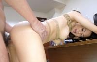 美巨乳秘書を麻縄緊縛してパコりまくる!