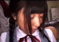 制服の美少女、ありさ出演の無料H動画。中野ありさ 日焼け跡が残っている制服が似合う美少女美少女の学生