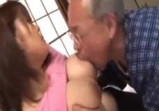 杏美月 密会相手の義お父さんを乳交とおしゃぶりでご奉仕する