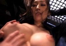 JULIA ラバースーツでファックされるハーフ美女の完璧乳