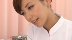 横山美雪 超美人ナースが入院患者のチンコをやさしく手コキ射精